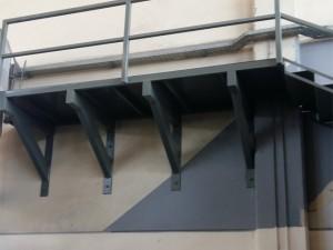 Μεταλλική Κατασκευή Κρεμαστό Πατάρι σε Επαγγελματικό Χώρο